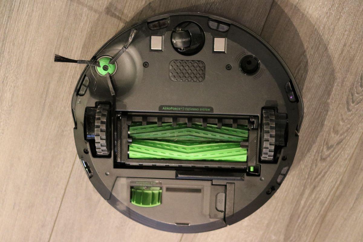Brosses de l'aspirateur robot Roomba j7+ d'iRobot