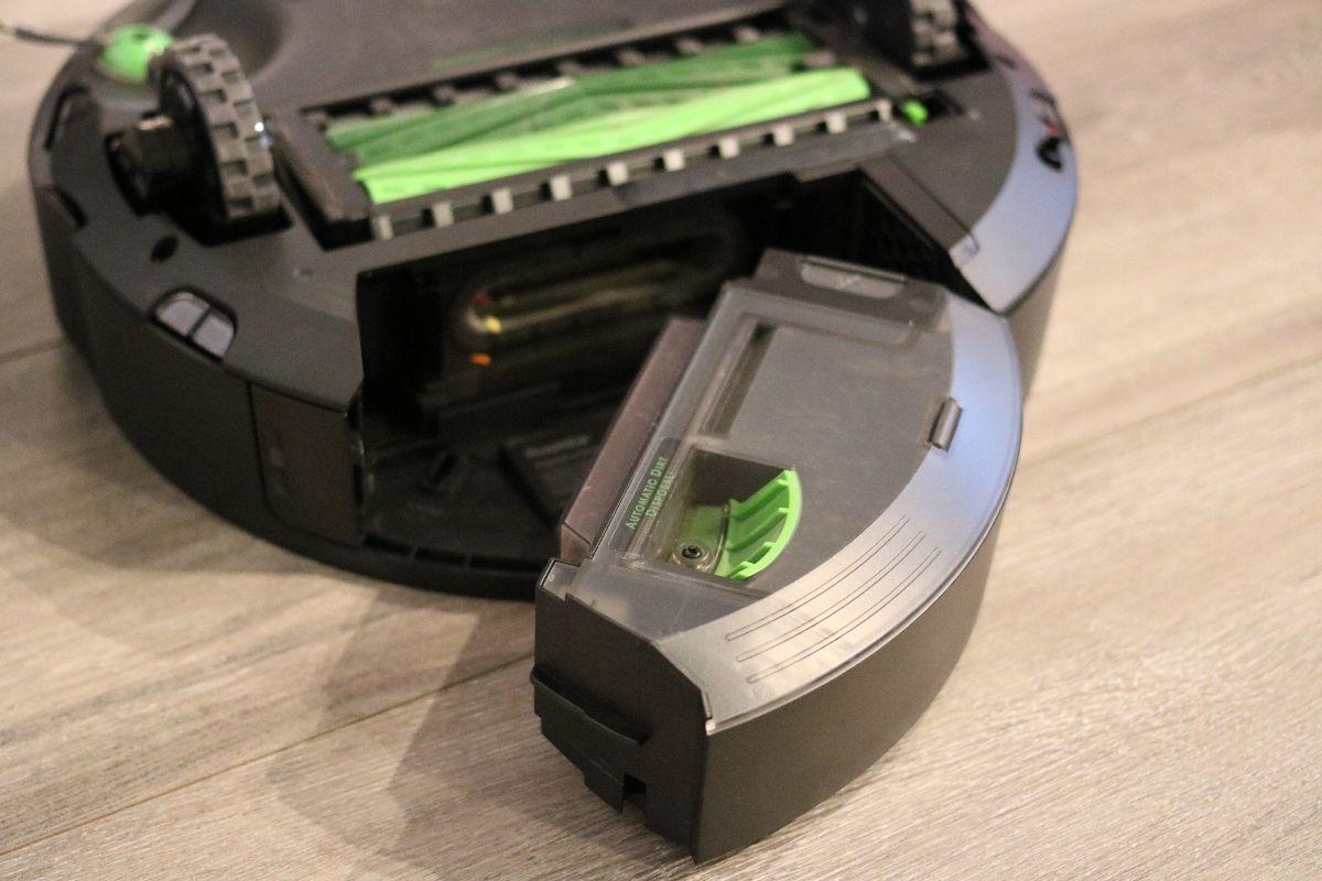 Bac de l'aspirateur robot J7+ d'iRobot